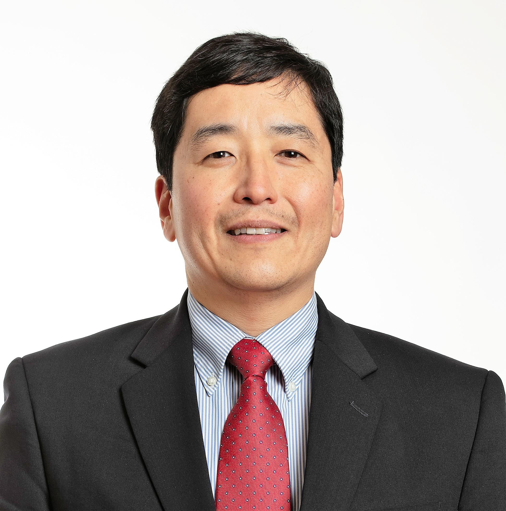 Dr. Chin Hur